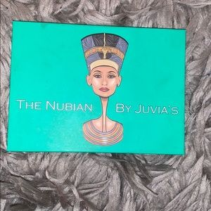 The Nubian eyeshadow palette by juvias